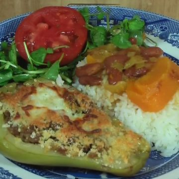 Chanclas de Chayote Relleno (Chayote Sandals), Friday Night Snacks and More...