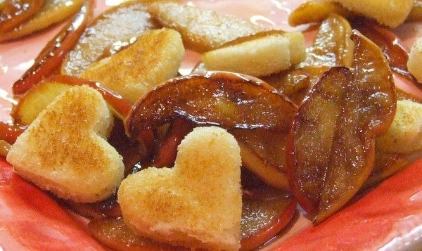 Vanilla Apples with Sweetheart Croutes, Friday Night Snacks and More...