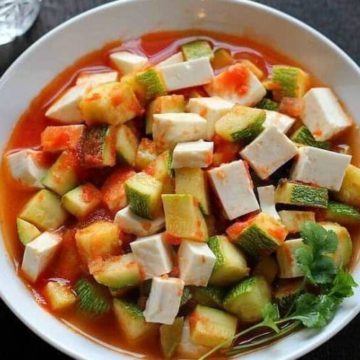Mexican Squash with Cheese in Tomato Sauce, Friday Night Snacks and More...