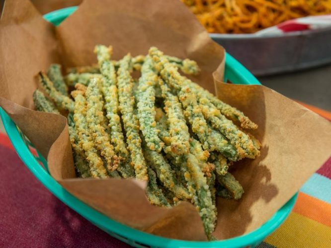 Parmesan-Roasted Green Beans, Friday Night Snacks and More...