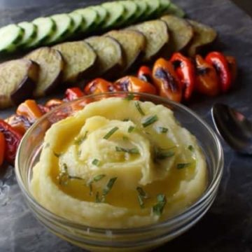 Skordalia Garlic and Potato Dip, Friday Night Snacks and More...