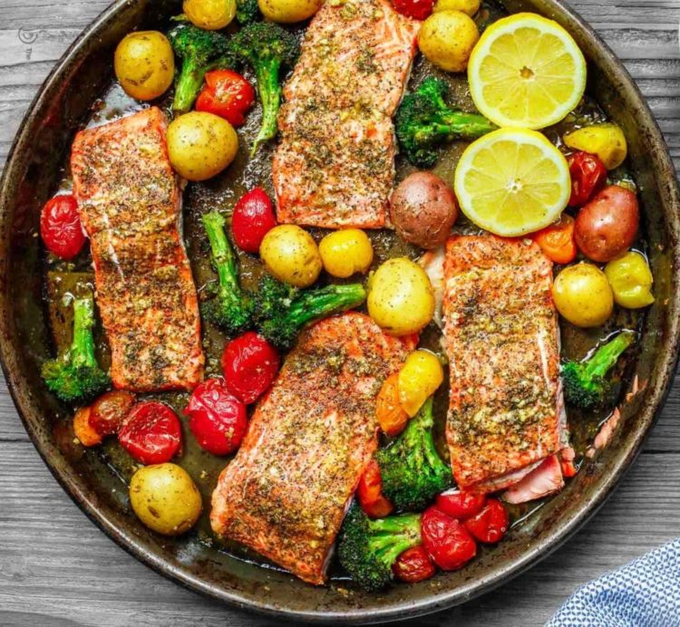 Zaatar Garlic Salmon with Roasted Vegetables and Lemon Tahini, Friday Night Snacks and More...
