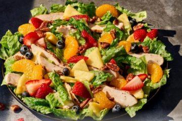 strawberry poppyseed salad with chicken