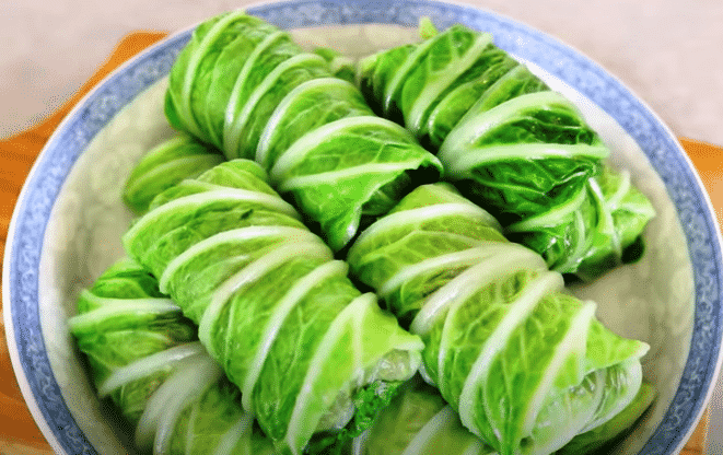 Asian Lamb Stuffed Cabbage Rolls, Friday Night Snacks and More...